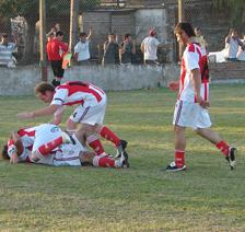 7 LIGAS: NEWBERY 6-2 ARGENTINO