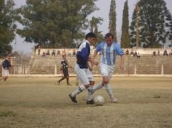 7 LIGAS: 9 DE JULIO 0-2 ARGENTINO