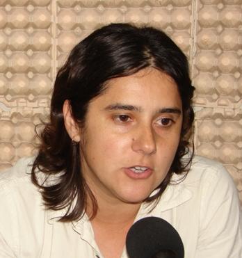 RENUNCIO CARINA FREITAS