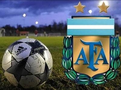 Argentino en dos, Jorge Newbery en una