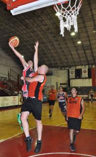 Sportivo debutó de local con una victoria