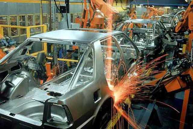 Cayó la fabricación de autos un 9,4%