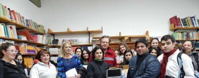 Anses entregó netbooks a estudiantes de profesorado