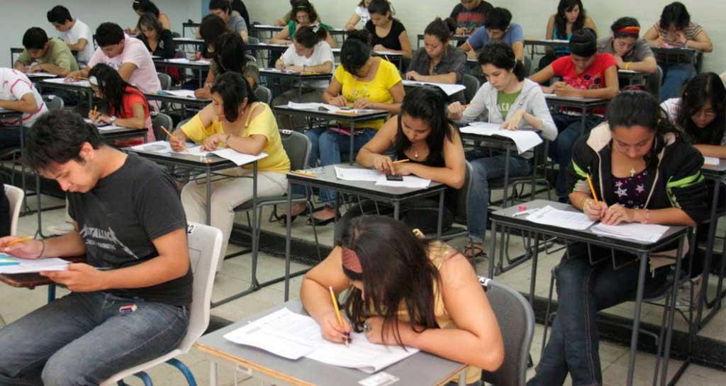 El 15% de los alumnos de escuelas secundarias públicas repite de año
