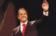 Scioli lanza su precandidatura presidencial y convocará a un gran frente electoral