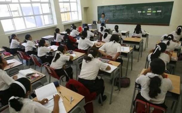 Para docentes adhesión al paro es de 90% y para el Gobierno 44%