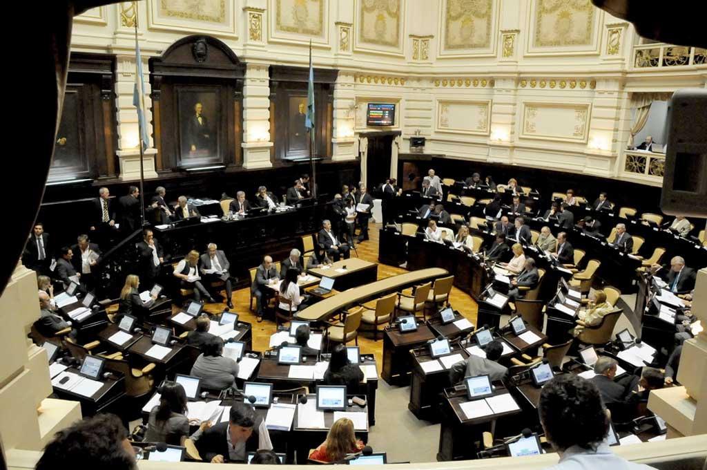 Asumieron nuevos diputados y senadores y definieron autoridades parlamentarias