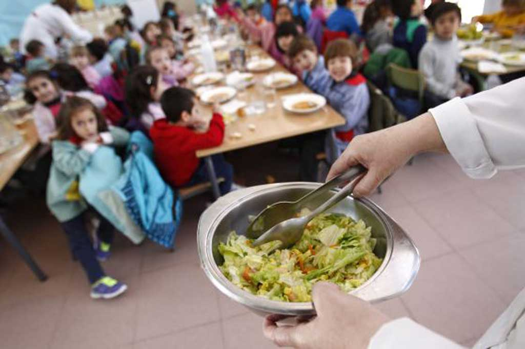 Aumentan un 30% los fondos para comedores escolares de la Provincia