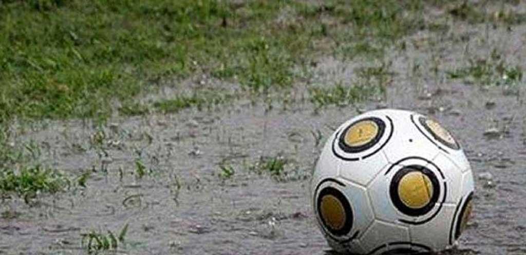 Fútbol: por la lluvia, nuevamente, debió suspenderse la fecha