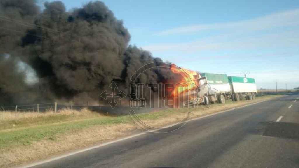 Se incendió un camión en ruta 188