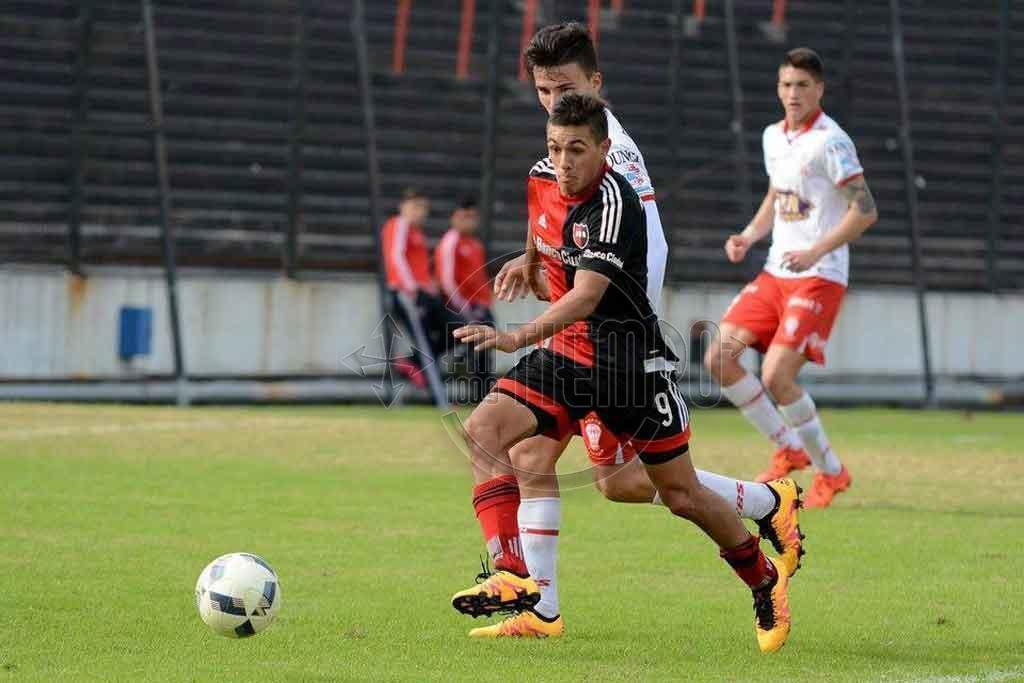 Matias Tissera hace la pretemporada con el plantel principal de Newell's