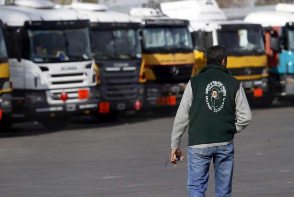 Transportistas paran por tiempo indeterminado y hacen piquetes en rutas