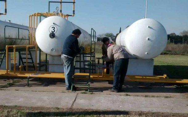 Carabelas: Instalan el nuevo tanque de GLP