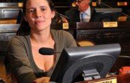 Impulsan establecer licencia laboral por violencia de género