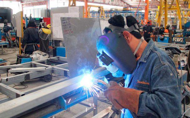 La producción industrial bonaerense cayó 4,6% en 2016, según empresarios