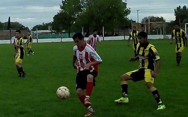Juventud venció a Racing de Colón; Porteño a Colonial