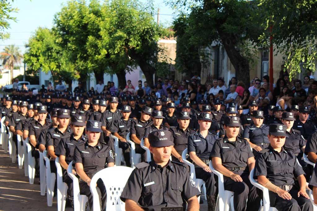 Egresaron policías de la Escuela Vicetich