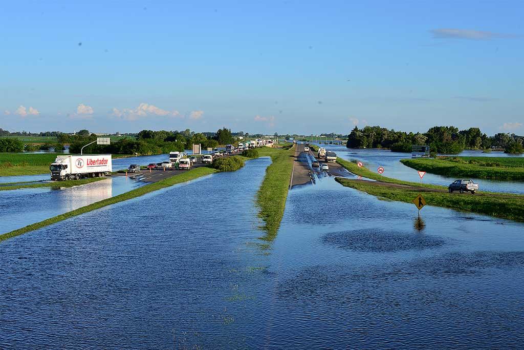El Vicegobernador recorrió distritos afectados por las intensas lluvias