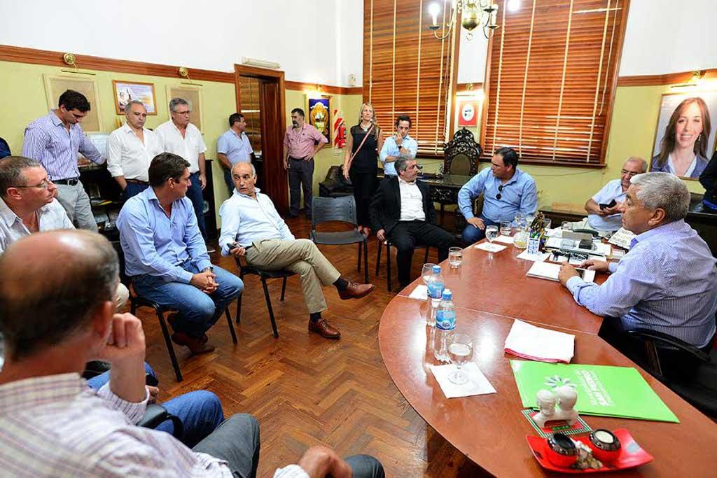 El vicegobernador Daniel Salvador mantuvo una reunión con intendentes de la región