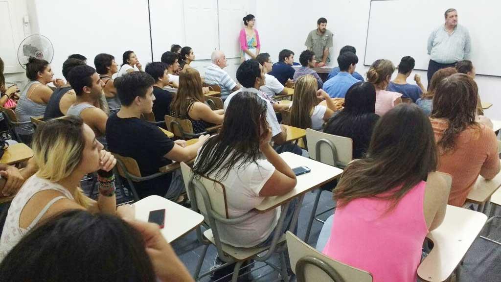 UNNOBA: cursos y charlas