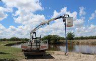 Representantes del Inta Castelar repararon el limnígrafo del río Rojas