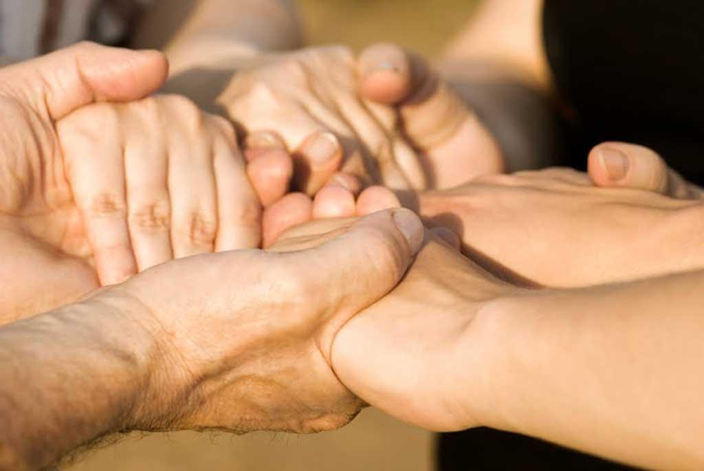 Buscan crear un registro único de cuidadores domiciliarios y acompañantes terapéuticos