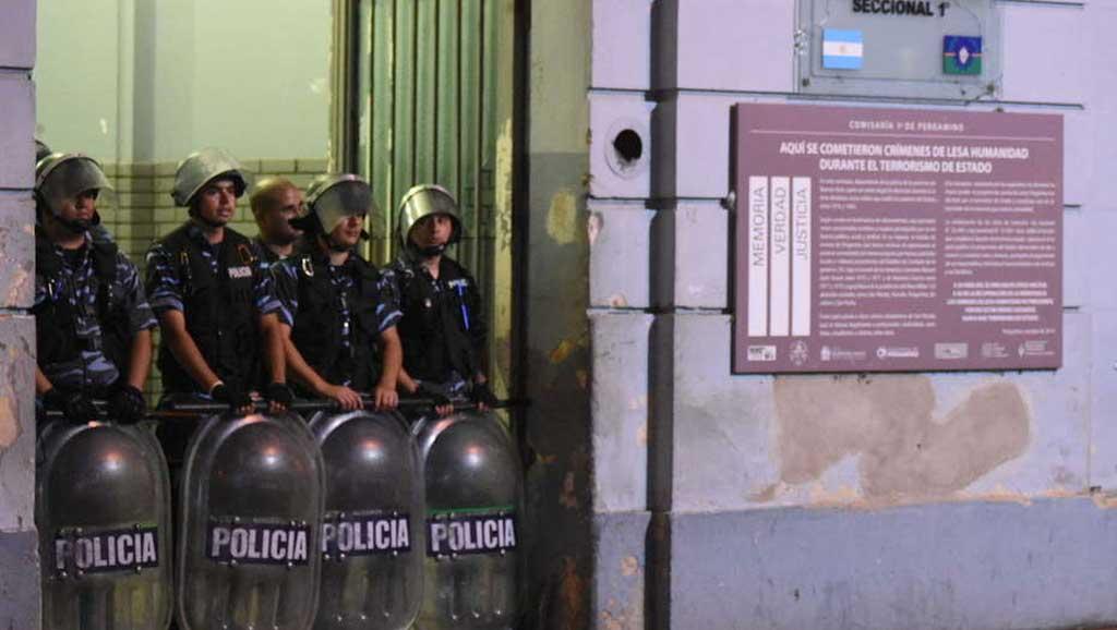 Incendio en la comisaría de Pergamino: Ratifican domiciliaria a policías detenidos