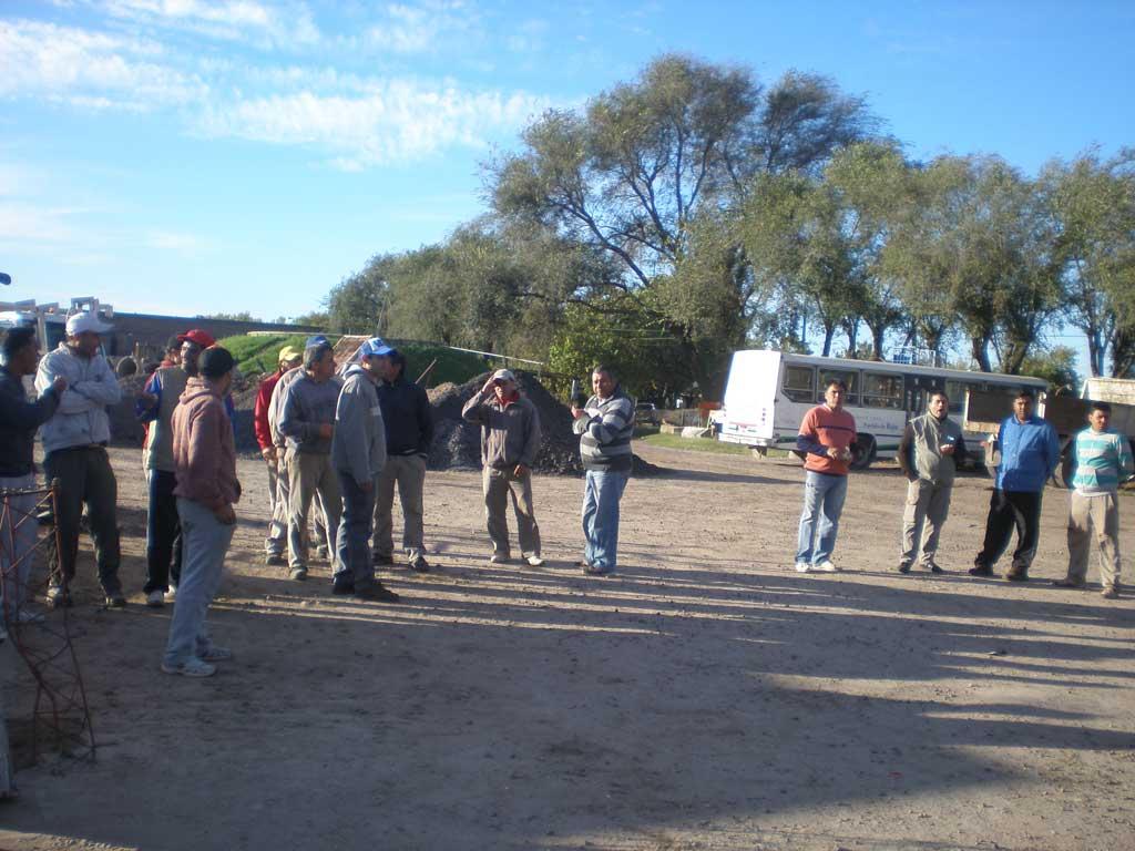 Trabajadores municipales realizaron protesta en el Corralón Municipal