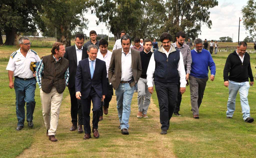 Sarquís anunció obras para aliviar a municipios inundados