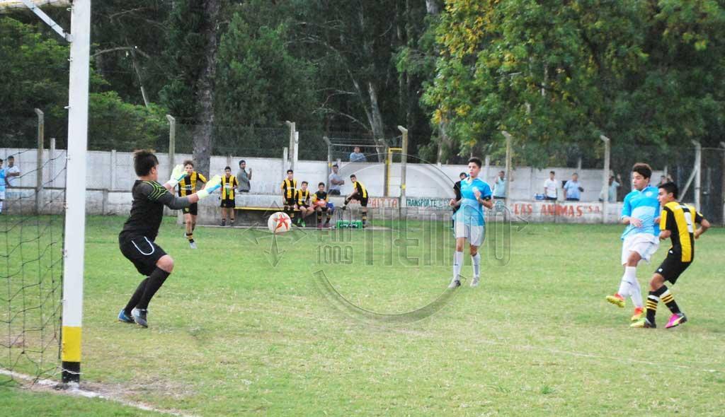 Fútbol: los juveniles disputaron la 2da. fecha del torneo local