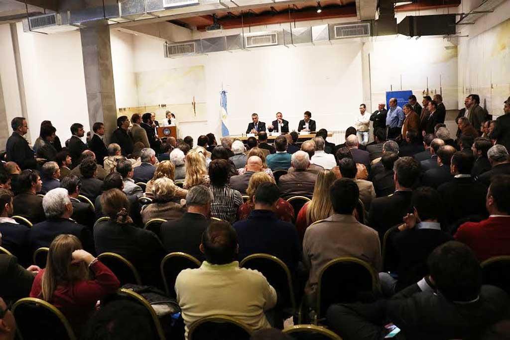 Rojas estuvo presente en el lanzamiento del Programa Ciudades Sustentables