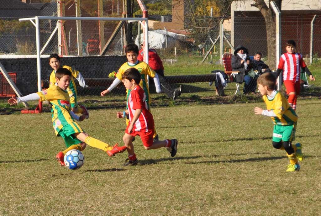 Fútbol infanto - juvenil: programa de partidos para el fin de semana