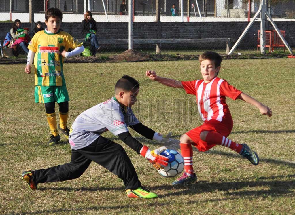 Los chicos animaron otra tarde a puro fútbol