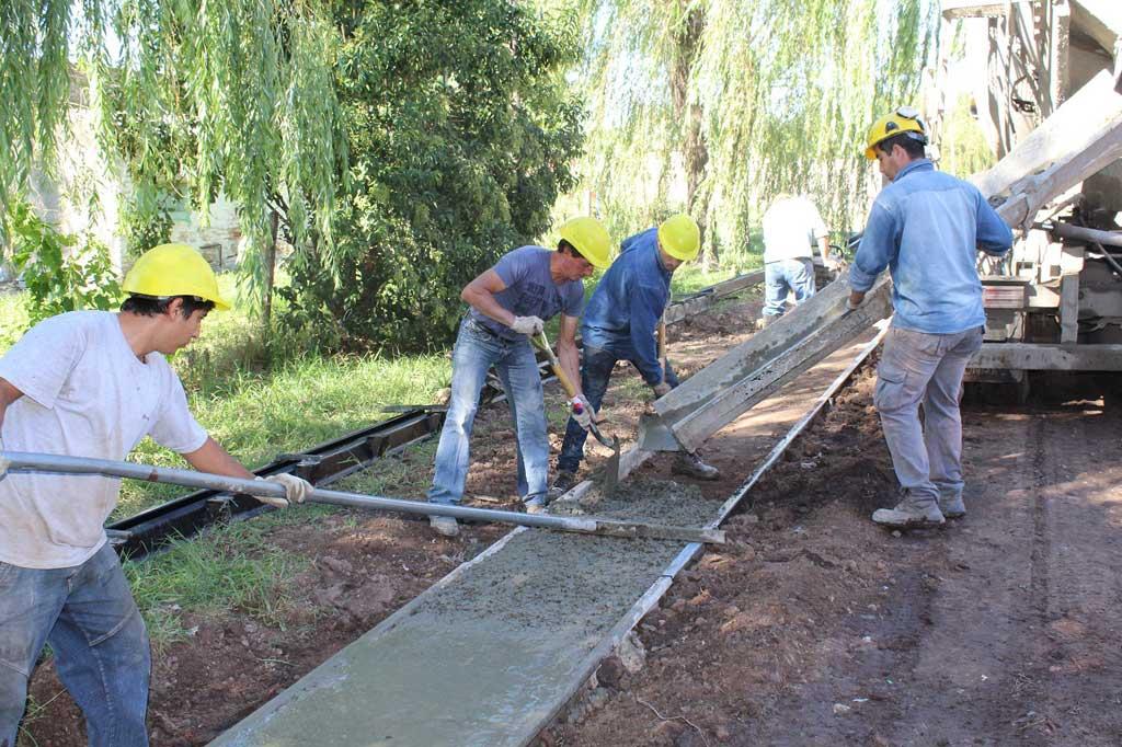 Oficializan licitación para dar inicio a obra de asfalto en el cuadro urbano
