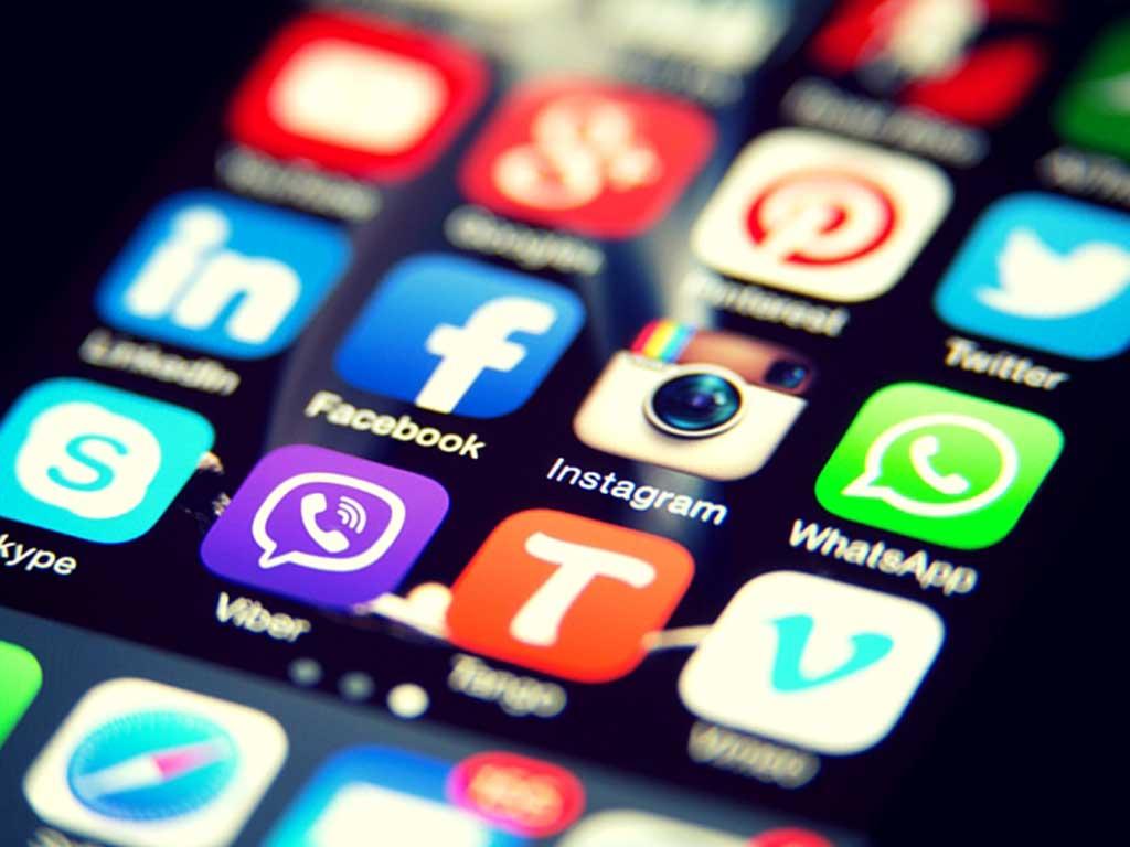 Redes sociales: buscar crear talleres de concientización