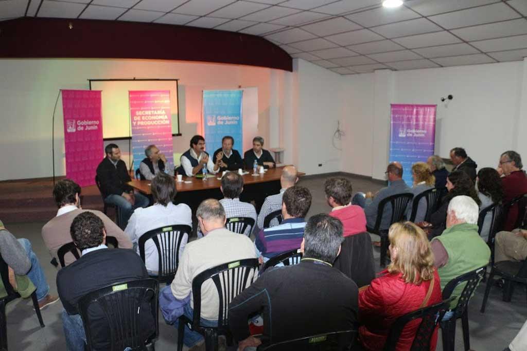 Sarquís garantizó a productores de Junín que no permitirá acciones que perjudiquen al municipio