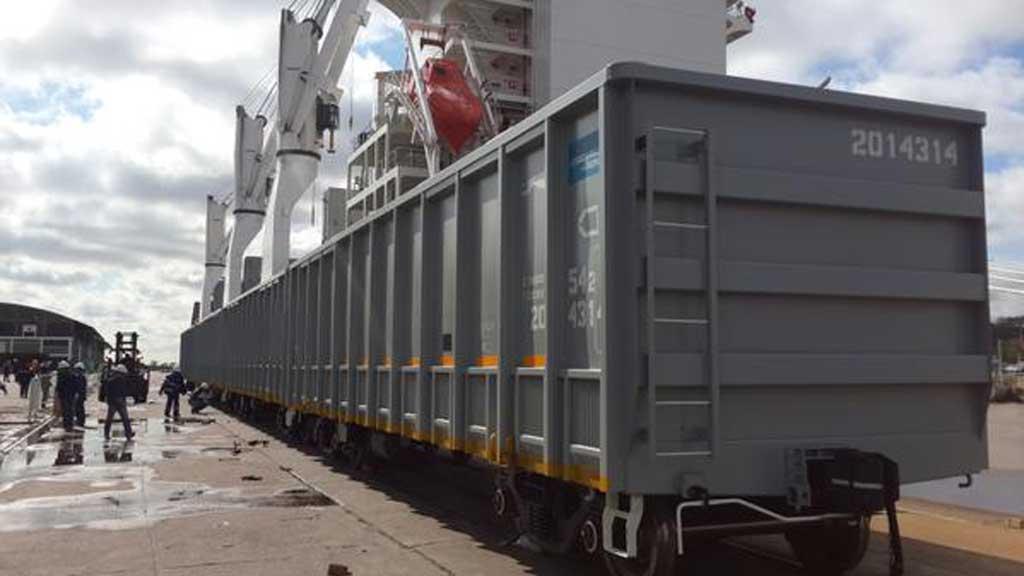 Llegan al país 156 vagones de carga para recuperar las líneas ferroviarias San Martín y Belgrano