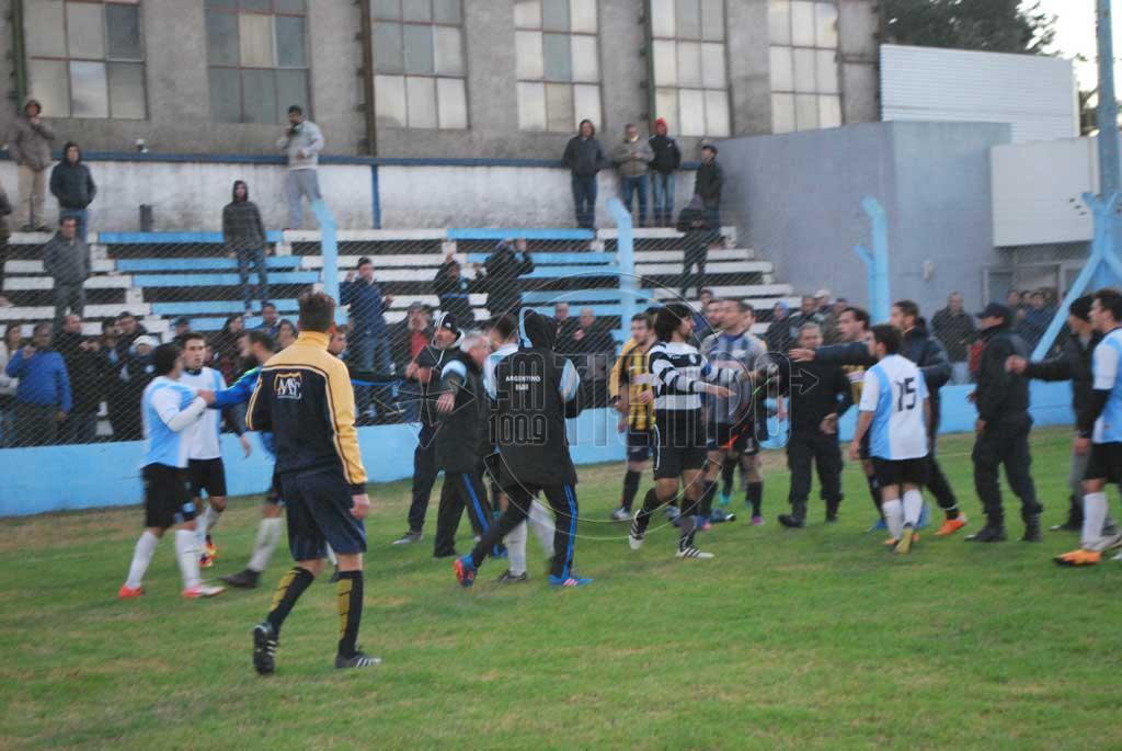 Fútbol: suspenden a Lovera por 2 años y la cancha de Argentino por 8 fechas
