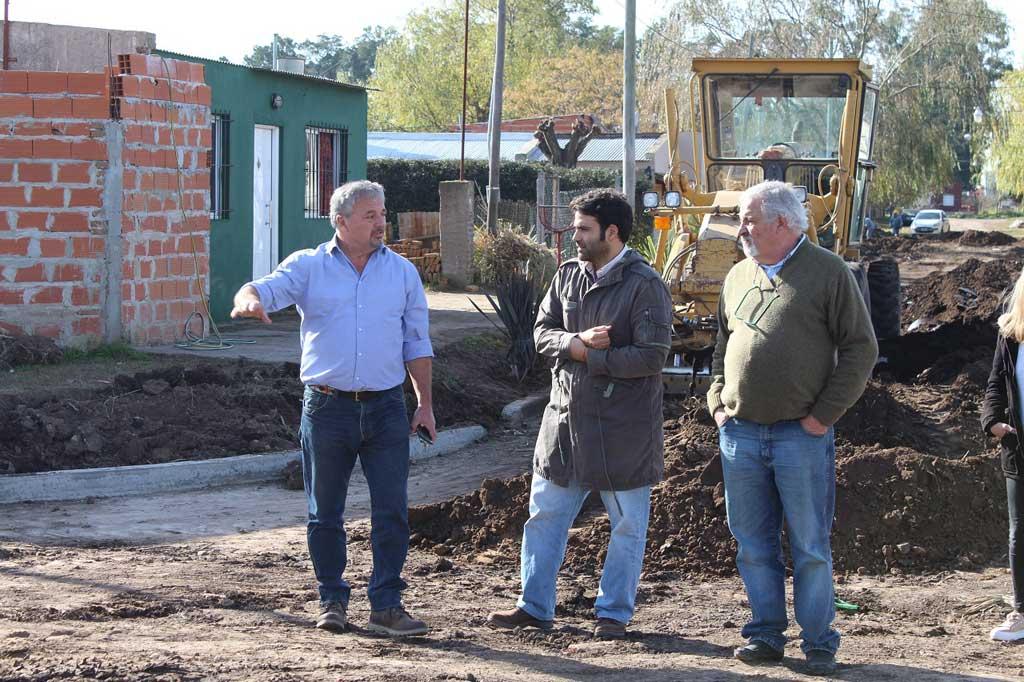 El director de Hábitat recorrió las obras en Santa Rita