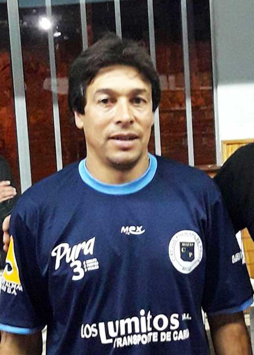 Pedro Tisera dejó de ser DT de Boca Jrs.