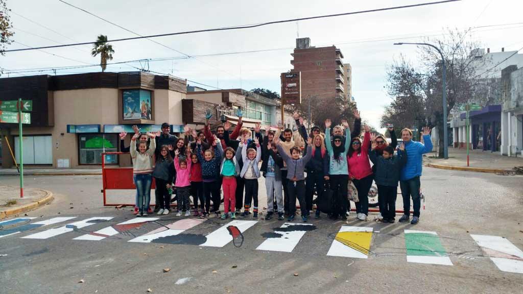 Se realizaron sendas peatonales con motivos culturales