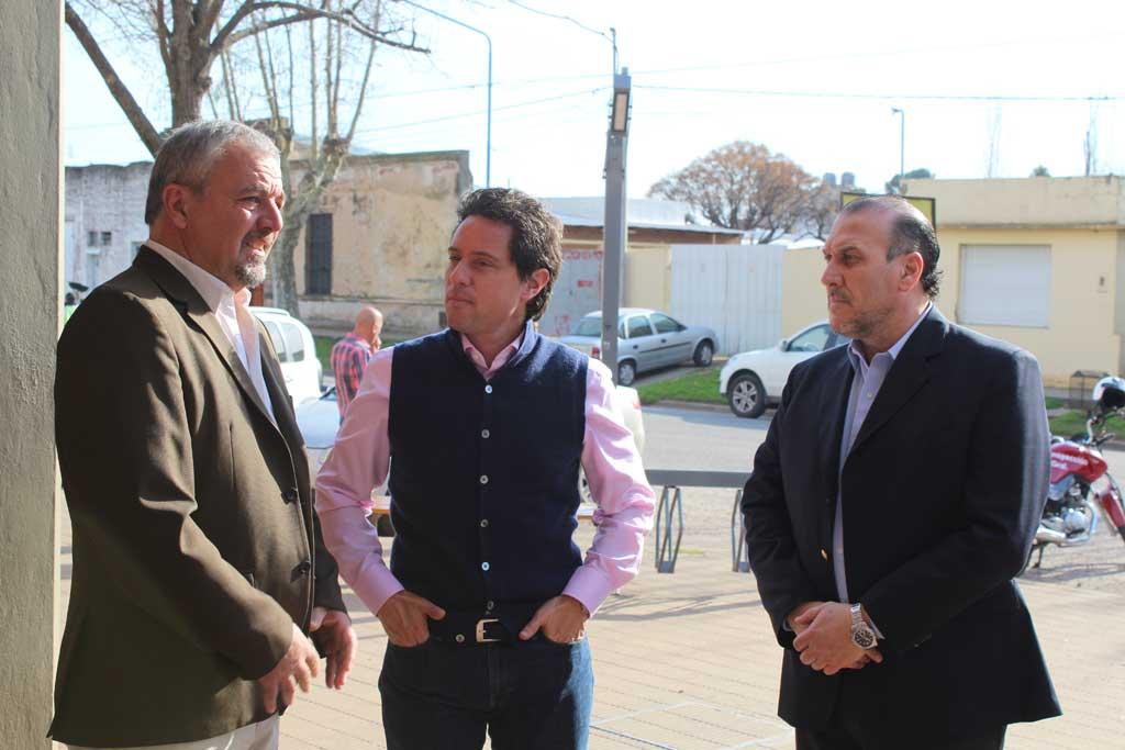 El ministro de Educación Bonaerense recorrió obras en Rojas