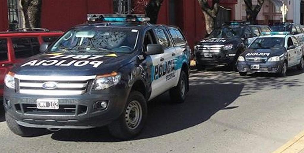Allanaron domicilios de policías en Pergamino y Rojas por una causa de droga