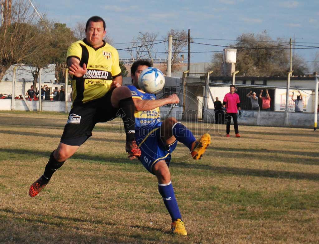 Fútbol: en el inicio del torneo local ganaron Carabelas, Juventud, Jorge Newbery y El Huracán