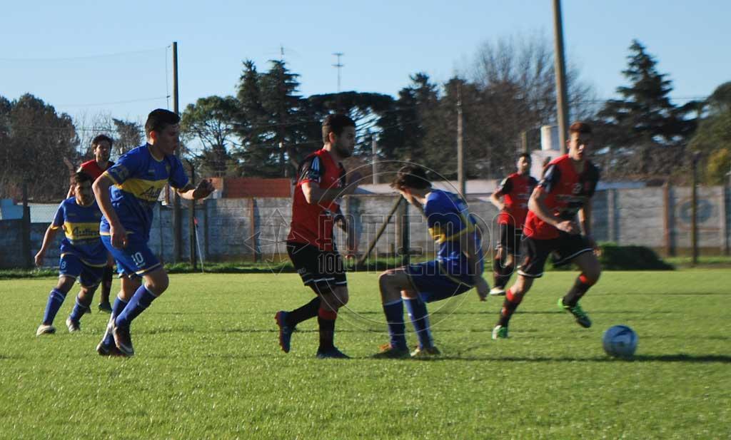 Fútbol: ganaron Jorge Newbery y Argentino, empataron Carabelas y Juventud