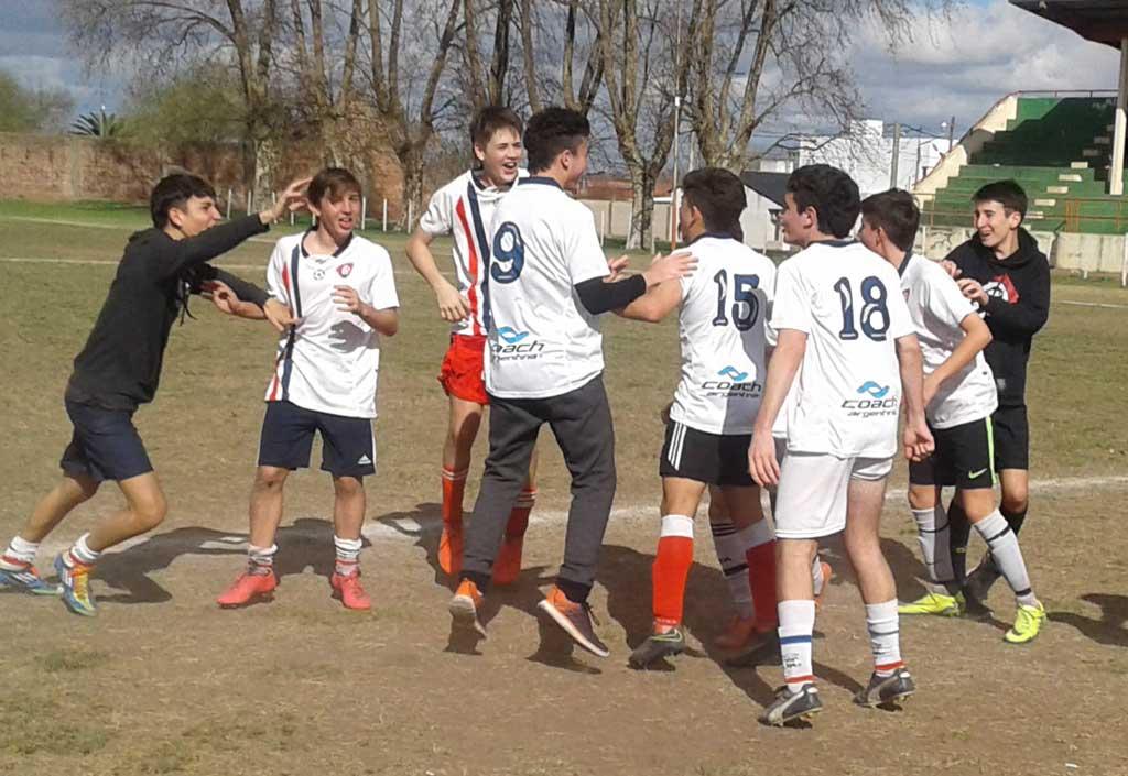 Juegos Bonaerenses 2017: Rojas fue sede del regional de futbol 11