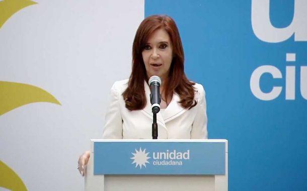 Parrilli no descartó una reunión entre Cristina y Mauricio Macri
