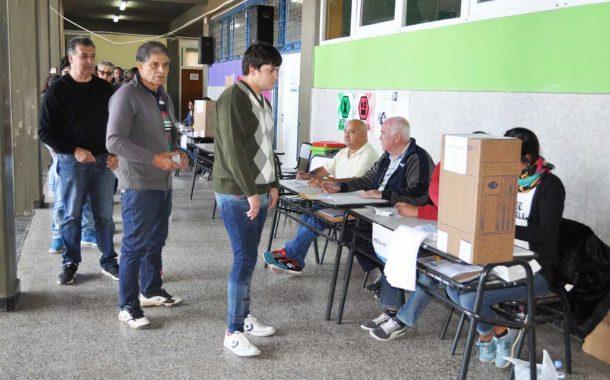 Con total normalidad, se desarrollan las elecciones legislativas