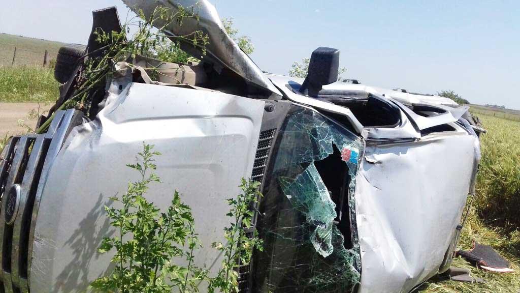 Rojas: Una avioneta narco que dejaba caer drogas provocó el vuelco de un auto que la seguía