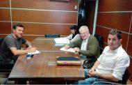 Se firmó el contrato para que inicie la obra de red cloacal en Carabelas